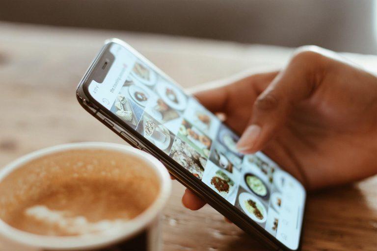 réseaux sociaux, mobile, social media, social media trends, tendances, instagram, linkedin, tiktok, 2021, agence de communication digitale, digital marketing agency, seo, community management, community manager, tendencias redes sociais 2021